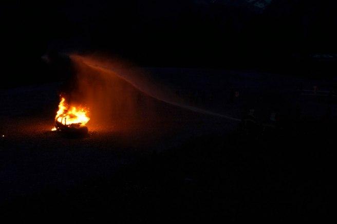 pompiers lance noir web.JPG